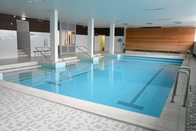 Das Schwimmbecken